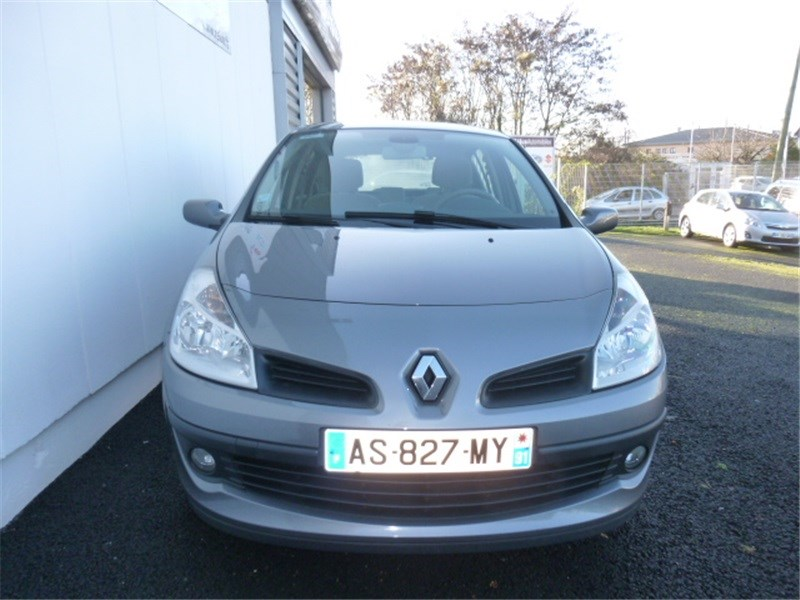 Véhicule occasion - RENAULT - CLIO III